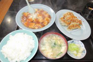ちんちゃろ、麻婆豆腐定食と餃子
