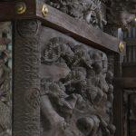 八幡神社本殿の側面の彫刻