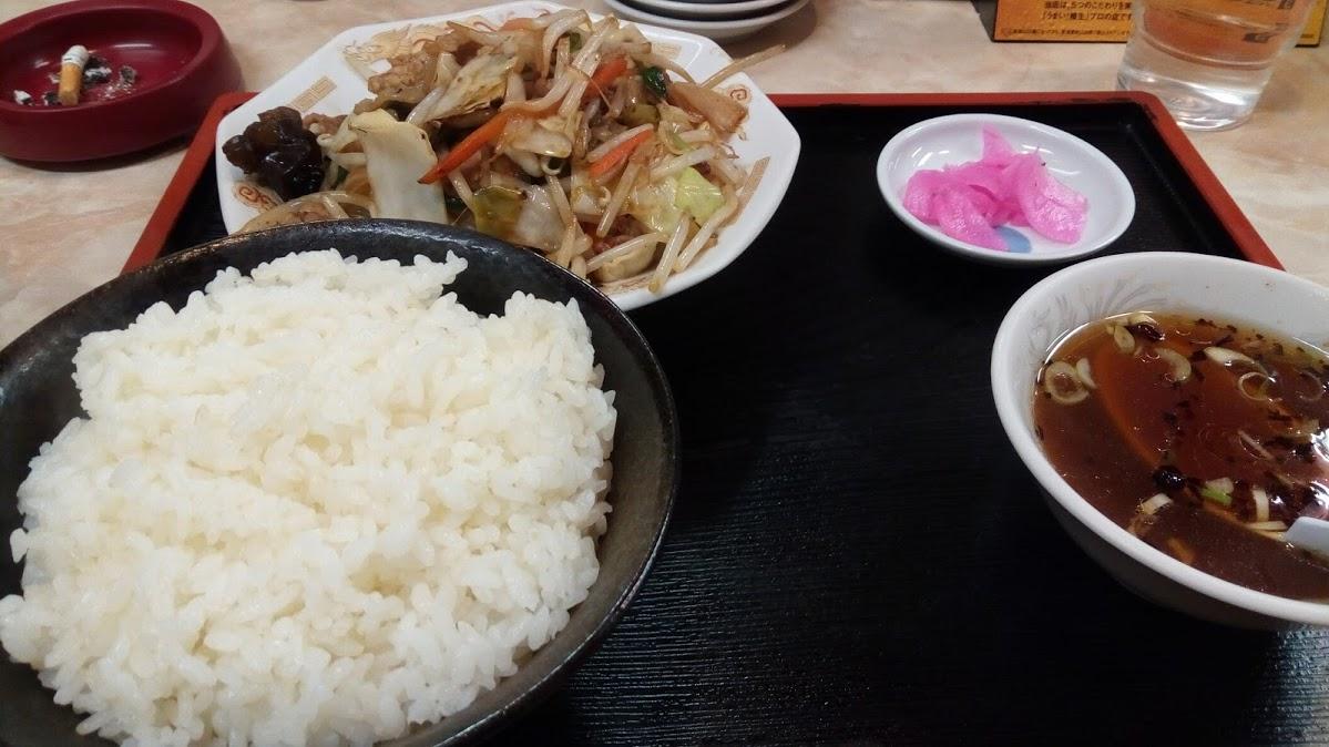 永楽沢口店の肉野菜炒め定食