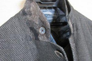 intermezzoのジャケット、襟を裏返した状態