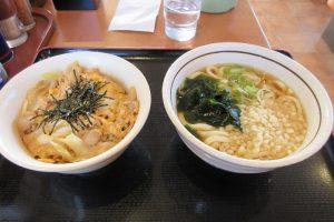 山田うどん、親子丼のAセット