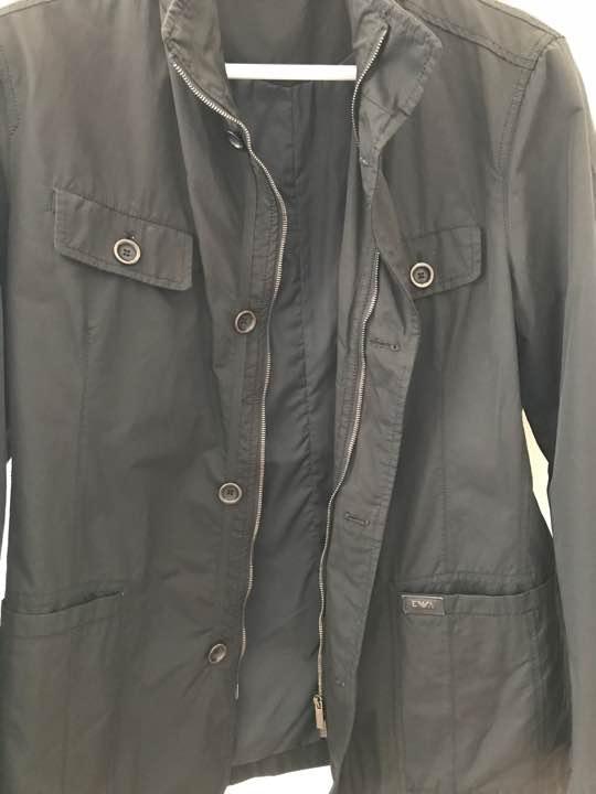 購入したエンポリオ・アルマーニのジャケットコート、ジッパー開けたバージョン