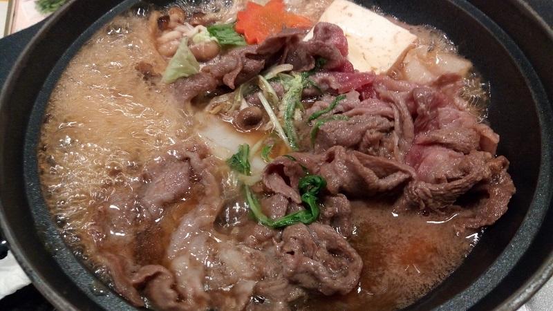 牛すき鍋御膳、煮えてきた!