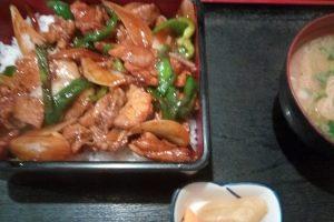 あずま家(東松山)で注文した、焼き肉重
