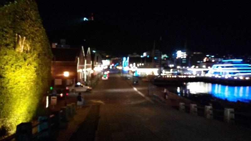 夜の赤レンガ倉庫、結構良い感じだよね