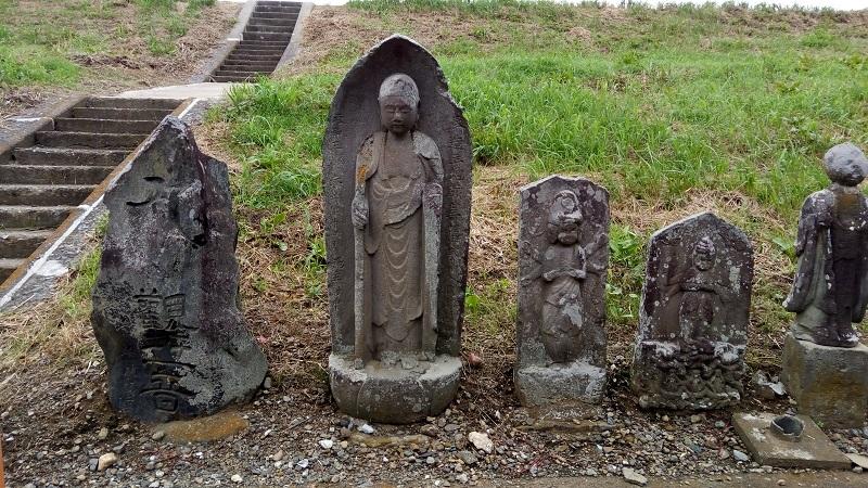 島田橋にある石像