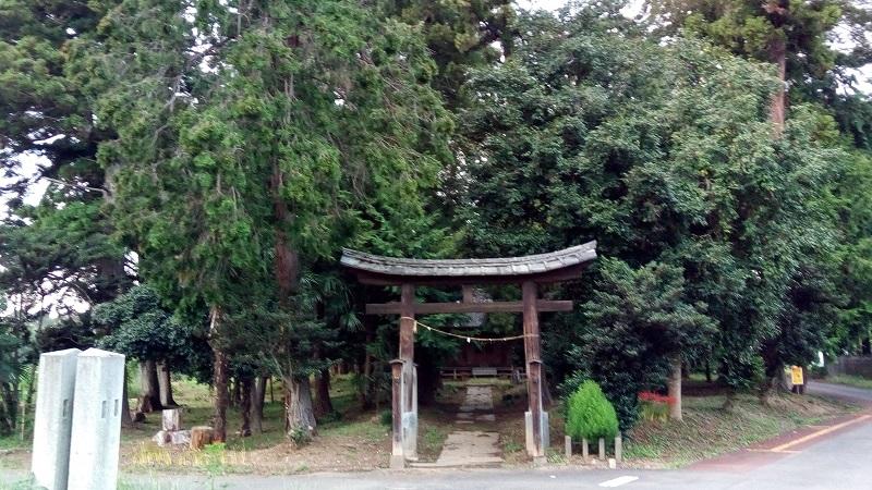 玉太岡神社の入口