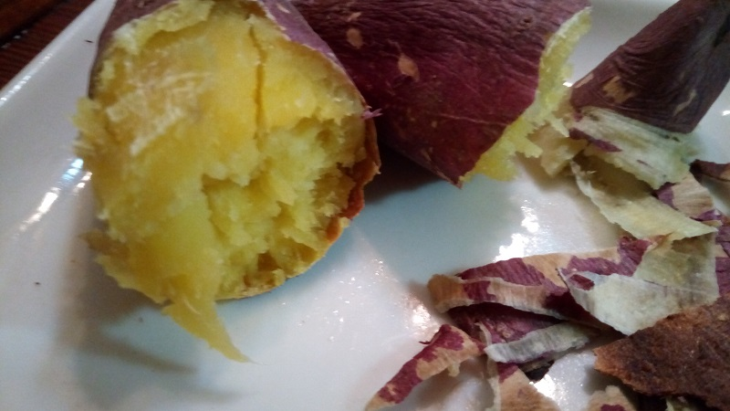 星川夜市で購入した芋屋TATAの芋を焼いてみたら美味しかった