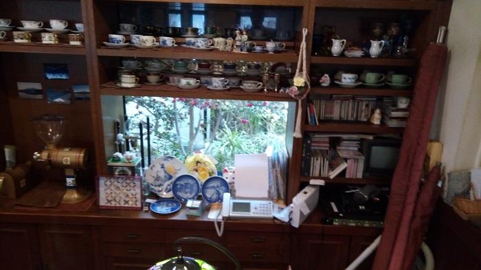 ギャラリー&カフェ 亜露麻、中庭がちょっと見える
