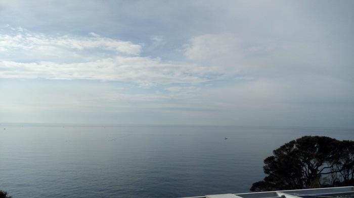 江ノ島にある灯台の前にある何か高い所から撮影した2