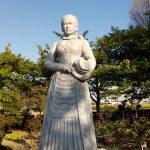 荻野吟子の像