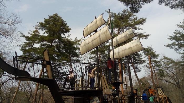 森林公園、冒険コースの最初の