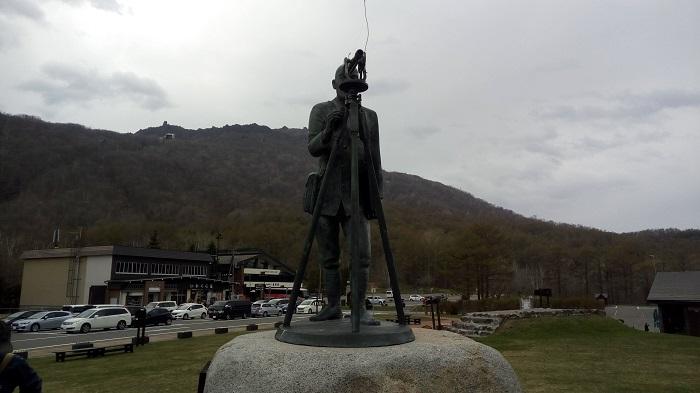 昭和新山の麓にあった銅像