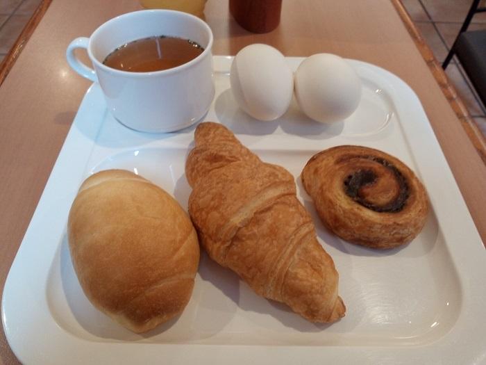 朝食、こんなの食べてみました
