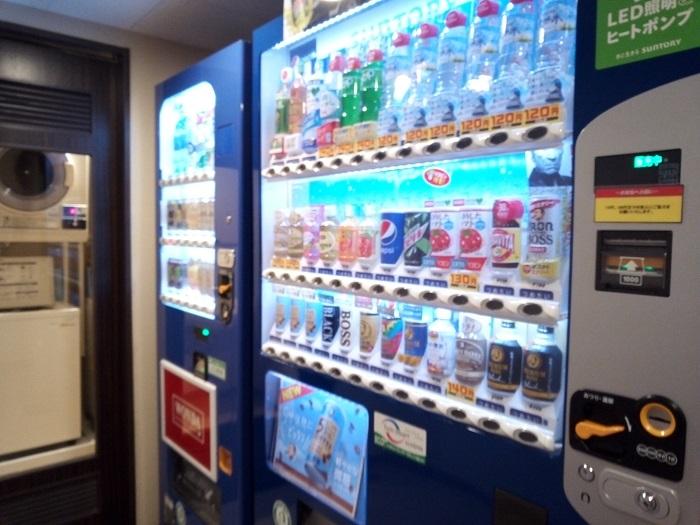 サンルート熊谷の自販機コーナー