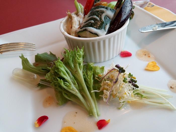 彩りサラダと埼玉県産野菜のソテー バーニャカウダーソース