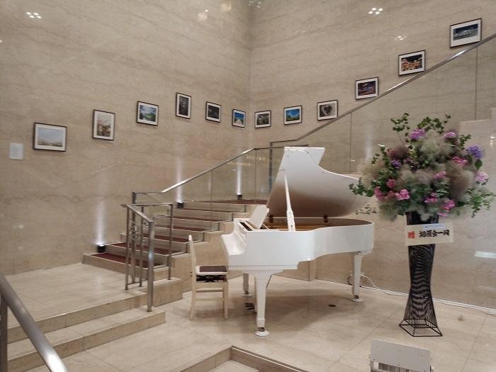 川越プリンスホテルには謎のピアノがある