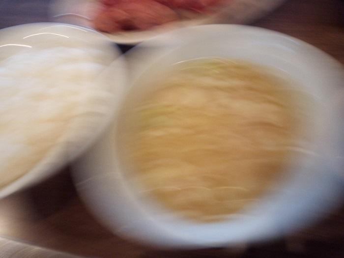 水よし本舗で注文した白米と豚汁