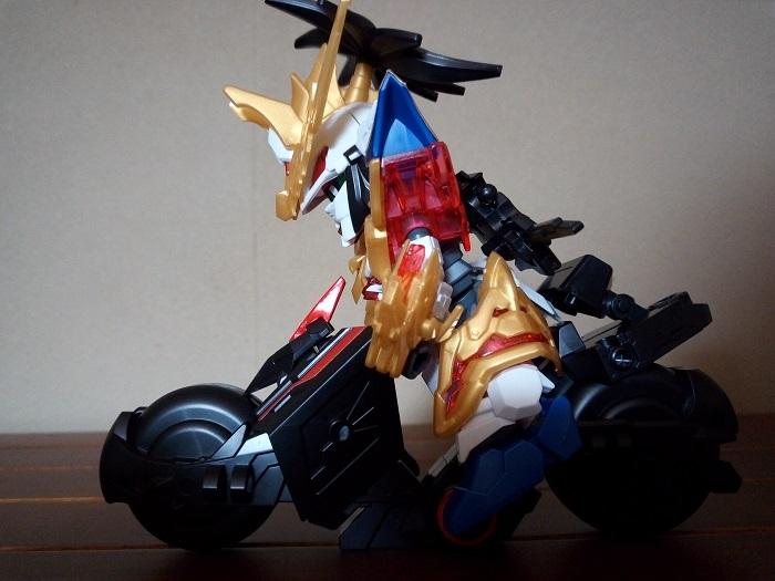 トリニティバイクに劉備ユニコーンを乗っけてみた